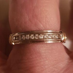 Jewelry - White/yellow gold diamond wedding band